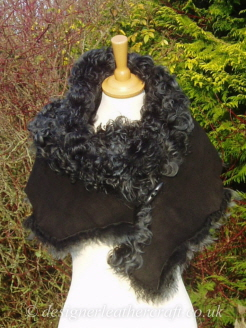 75 inch Steel Tipped Black Tigrado Shearling Scarf S1   Fastens with a Wooden Toggle