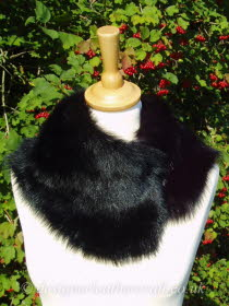 Black Toscana Shearling Tippet T37 Fastens with Magnets