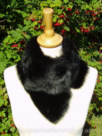 Black Toscana Shearling Tippet T38 Fastens with Magnets