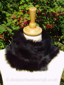 Black Toscana Shearling Tippet T41 Fastens with Magnets