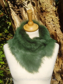 Emerald Green Toscana Shearling Tippet T55 Fastens with Magnets