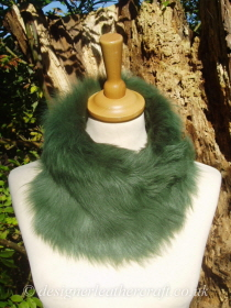 Emerald Green Toscana Shearling Tippet T56 Fastens with Magnets
