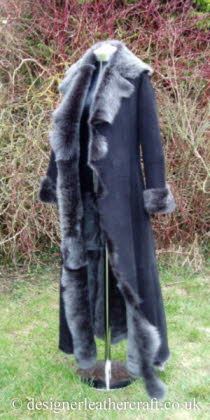 Full length Toscana Shearling Coat in Black Brisa