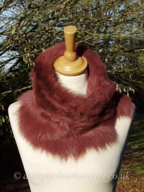Rose Wine Toscana Shearling Tippet T28 fastens with Magnets