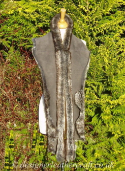 Suede Side of the 77 inch Grey Wolf Toscana Shearling Scarf S5